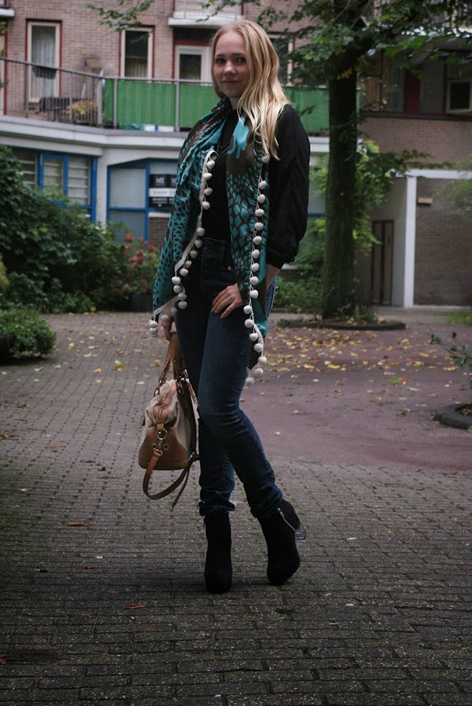 outfit outfitpost ootd outfitoftheday lookbook look fashion fashionblog fashionblogger HM filippak calvinklein jewelry shawl POM pomamsterdam event inspiration bag heels boots highheels black chiffon toscablu sarandipity sarandawalgaard