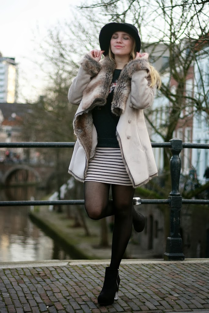 outfit ootd outfitpost fashion blog sarandipity dutch fashionblogger amsterdam hat feminine supertrash hm maison scotch furcoat