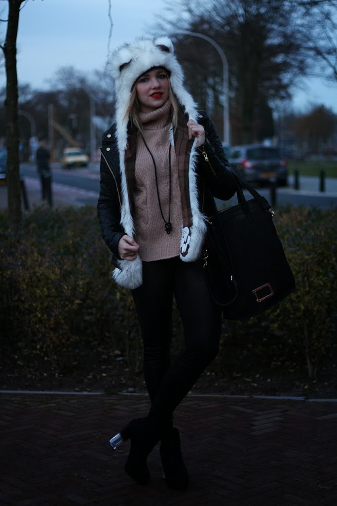 ootd outfit spirithood fashion blog sarandipity outfitpost inspiration trends saranda walgaard dutch netherlands blogger