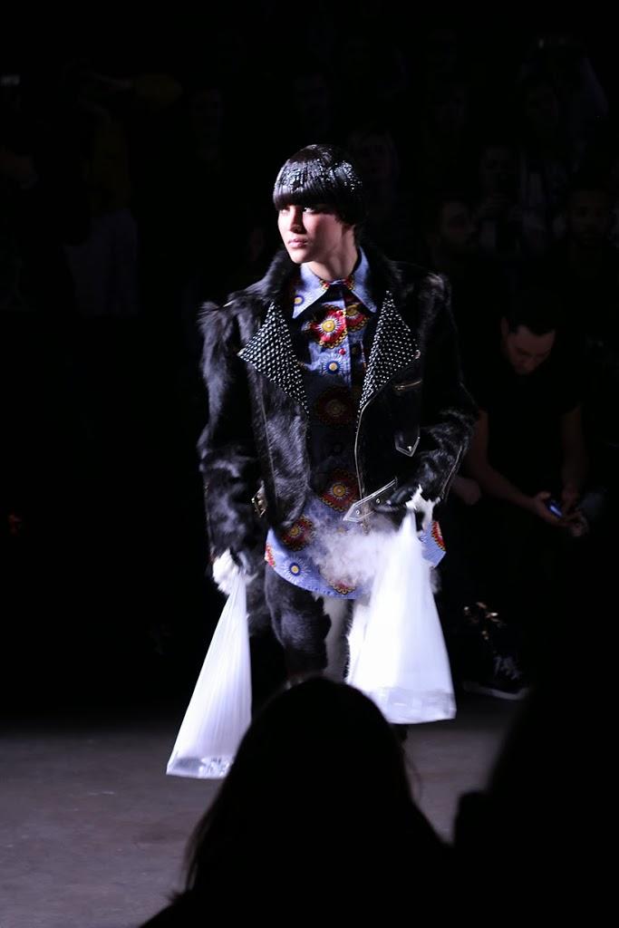 sarandipity maryme-jimmypaul fashionshow models sopr fashionweek amsterdam mbfwa fashion blogger saranda walgaard faux fur