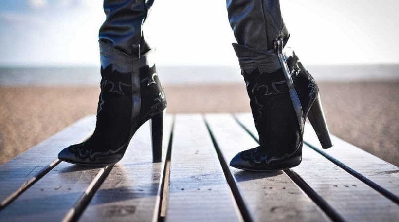 fashion blog saranda walgaard blogger inspiration streetstyle ankle boots