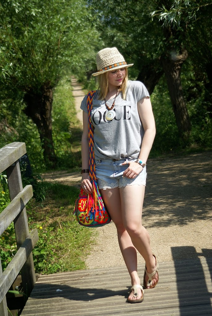 Vogue t-shirt fashion blog sarandipity blogger outfit ootd look bohemian my mochila