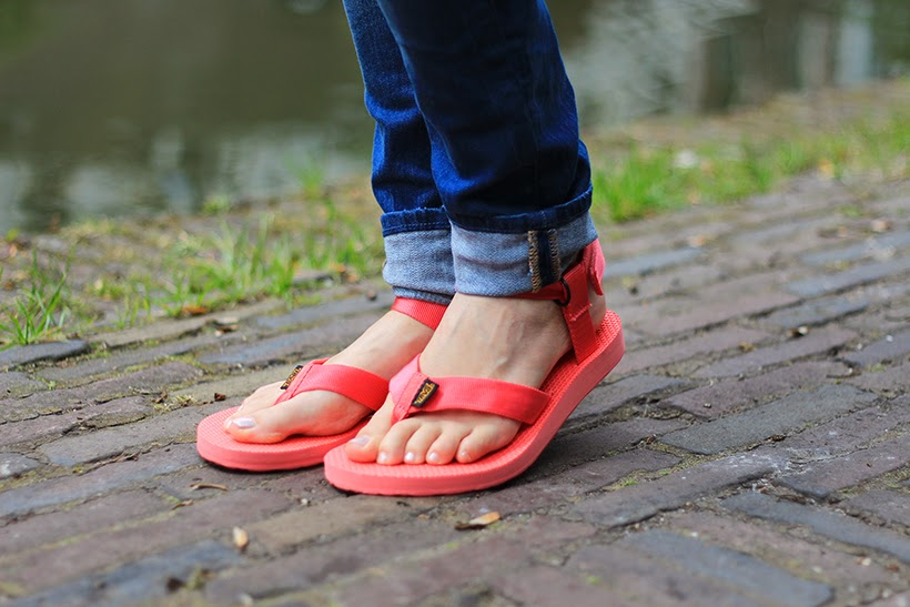 TEVA ootd outfit blogger fashion trend sandals