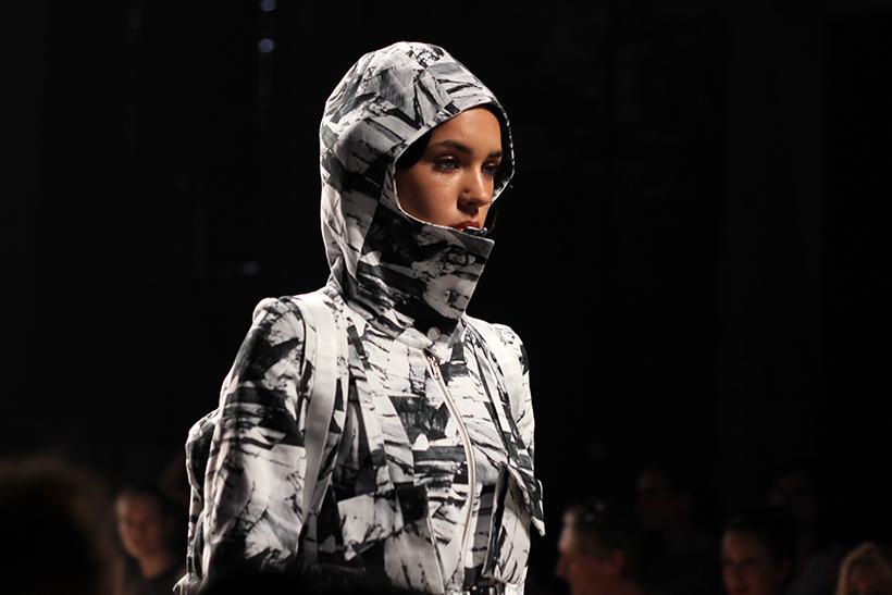 IINUA-joelleboers-bregjecox-mbfwa-fashionweeknederland-amsterdam-fashion-blog-dutch-design4