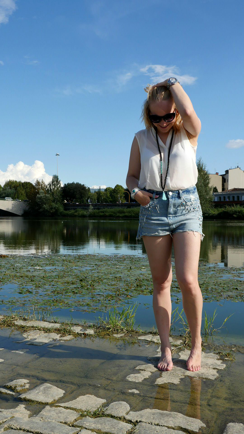 fashion-outfit-ootd-blogger-firenze-arno-turquoise waters-acqua-river-nature-moda-sarandipity9
