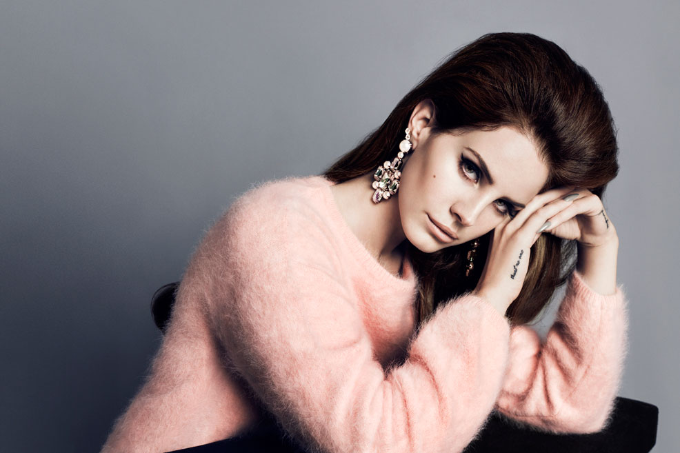 Lana Del Rey pale pink fluffy jumper H&M high street fall wardrobe essentials fashion blog sarandipity
