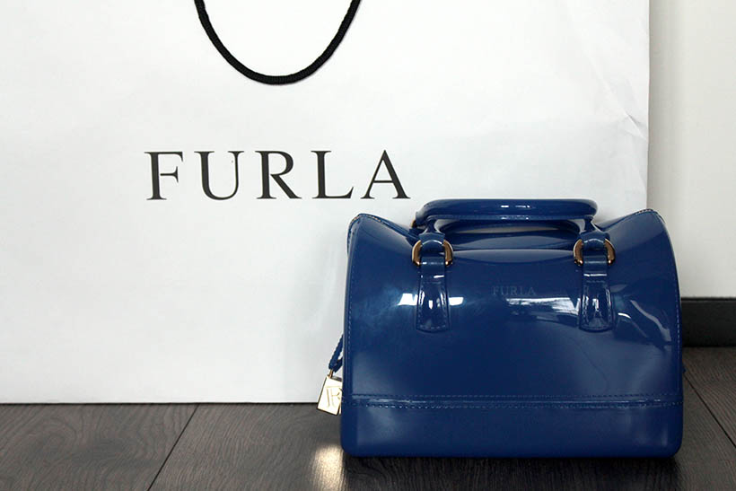 mega-fall-shoplog-denimtheicons-event-designer-outlet-roermond-bloggers-fashion-furla-bags-purchase-gift-candy