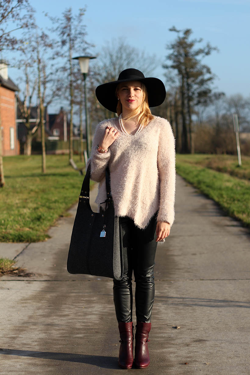 hats up-outfit-ootd-hm-ecco-otraparte-blqe-bohemian-winter-sarandaadriana-sarandipity-dutch-fashion-blog4