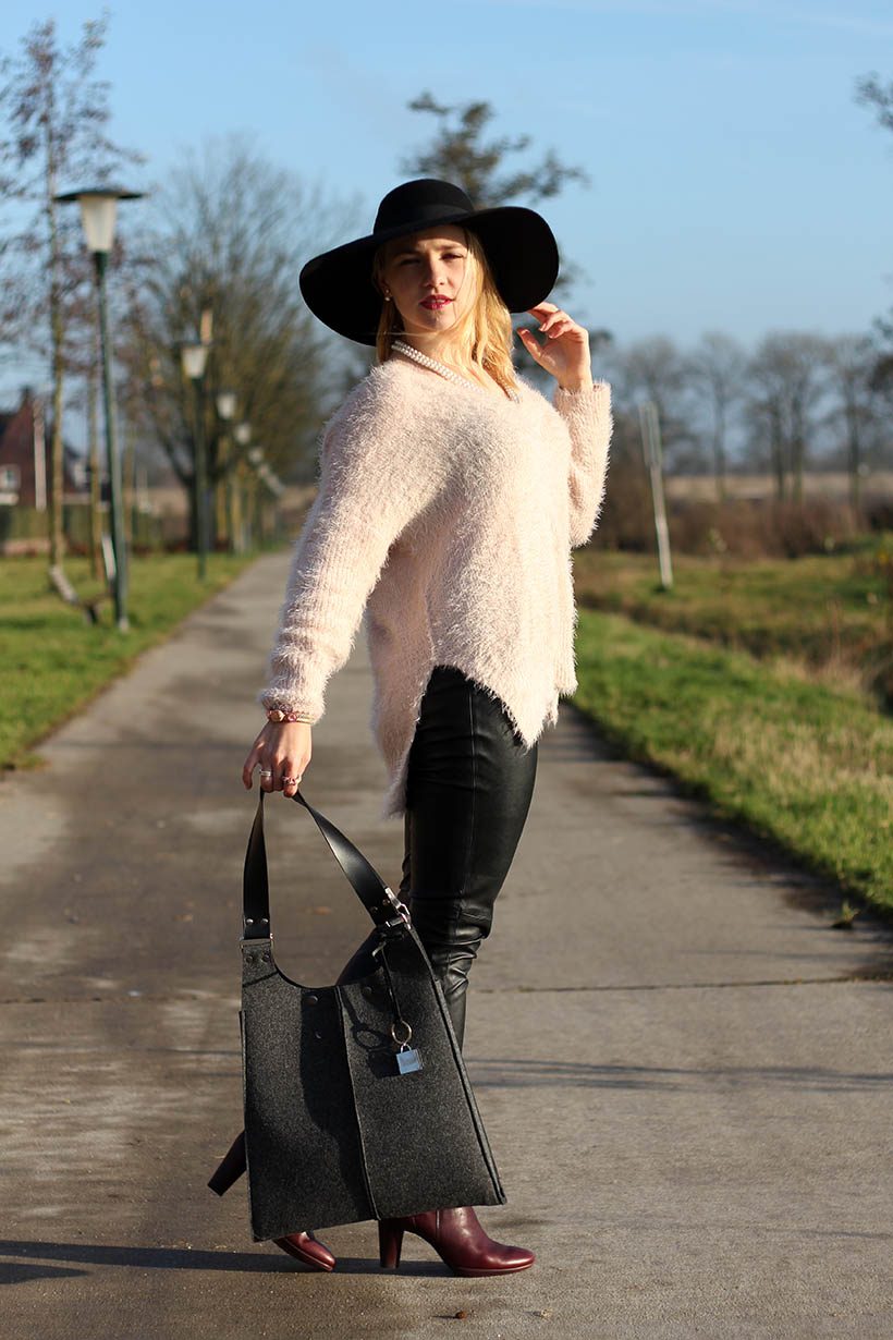 hats up-outfit-ootd-hm-ecco-otraparte-blqe-bohemian-winter-sarandaadriana-sarandipity-dutch-fashion-blog5