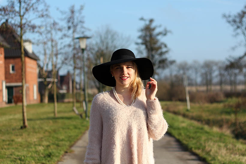 hats up-outfit-ootd-hm-ecco-otraparte-blqe-bohemian-winter-sarandaadriana-sarandipity-dutch-fashion-blog6