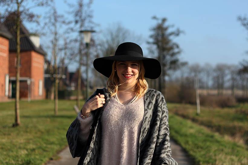 fashion blogger outfit ootd zorros cape ecco hm shoeby sarandaadriana6