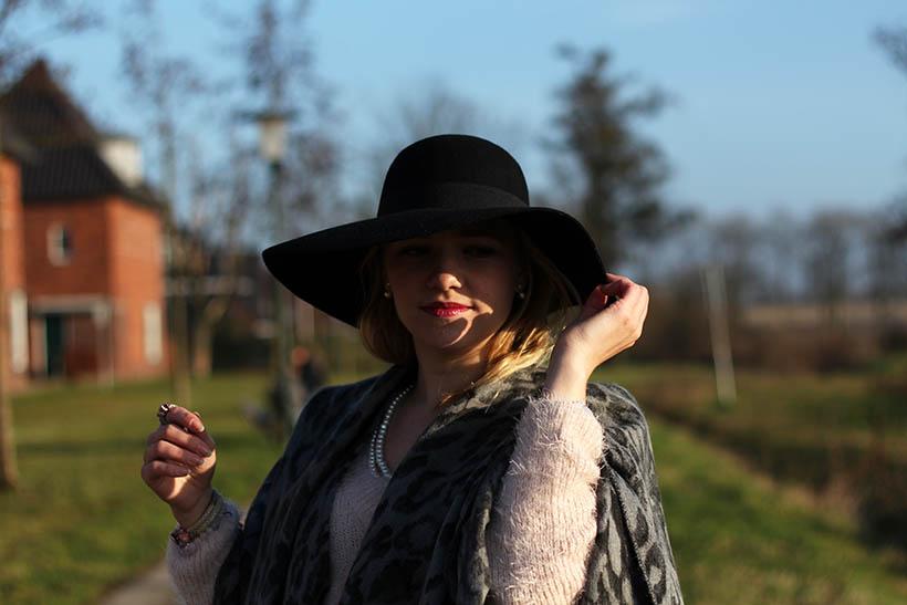 fashion blogger outfit ootd zorros cape ecco hm shoeby sarandaadriana8