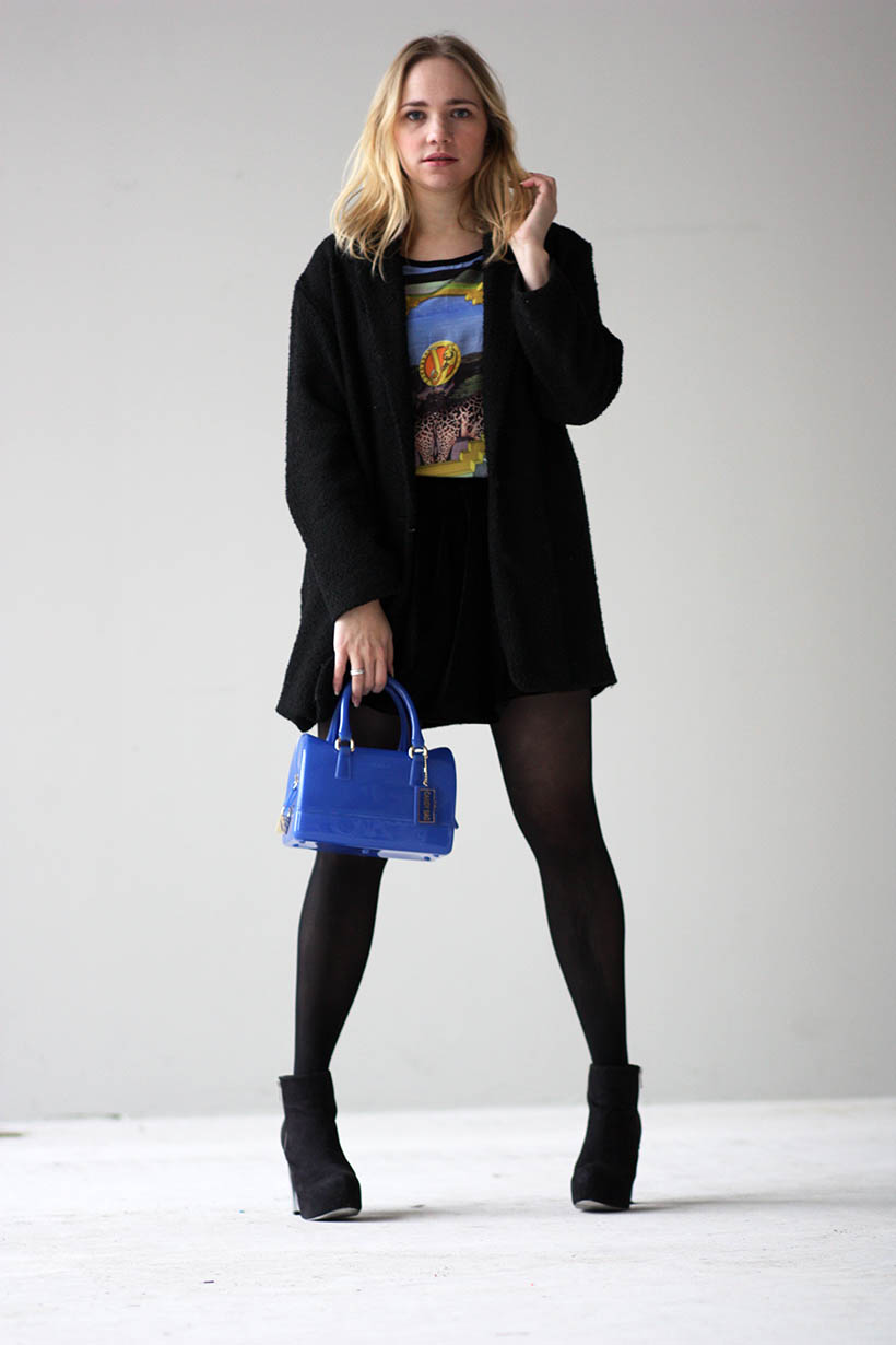 Italian print ootd outfit versace furla dutch fashion blogger photoshoot streetstyle 11