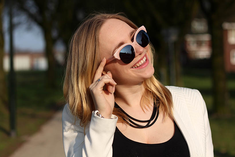 Bailey Balmain-ish outfit OOTD Dutch fashion blogger SarandaAdriana DL1961 jeans BLQE jewelry1