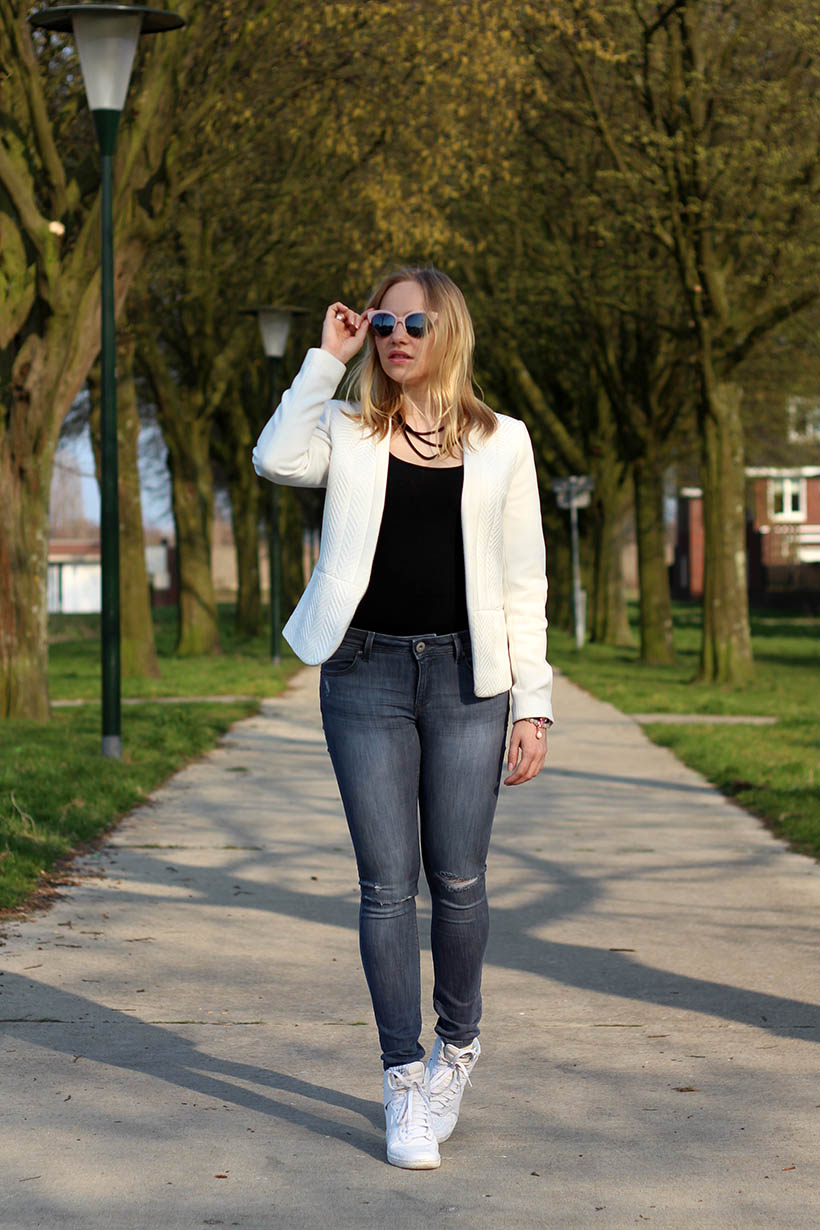 Bailey Balmain-ish outfit OOTD Dutch fashion blogger SarandaAdriana DL1961 jeans BLQE jewelry7
