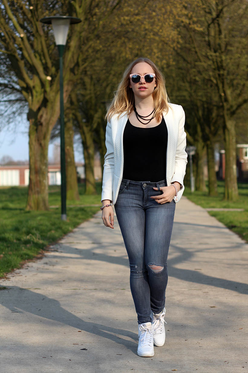 Bailey Balmain-ish outfit OOTD Dutch fashion blogger SarandaAdriana DL1961 jeans BLQE jewelry9