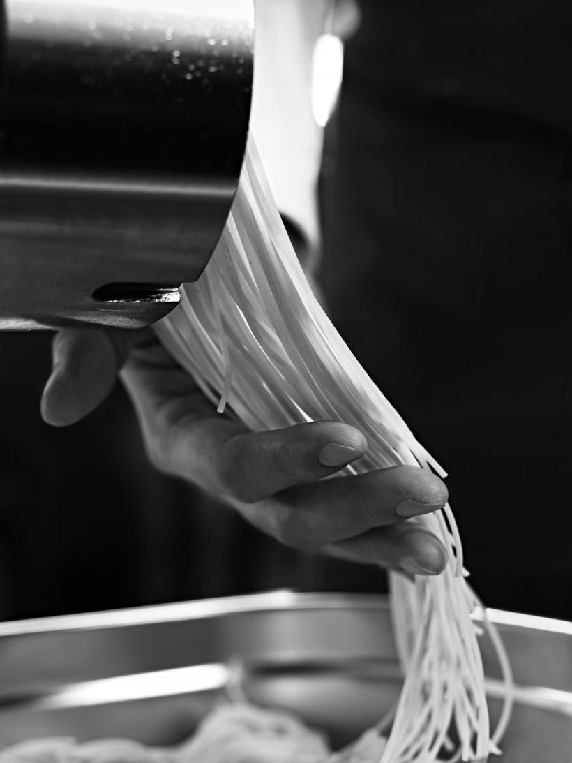 VAPIANO_04-00-11-00-0003 pasta machine_jpg