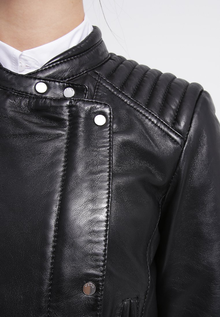 Top 10 favorite summer jackets number 1 zalando oakwood leather jacket2