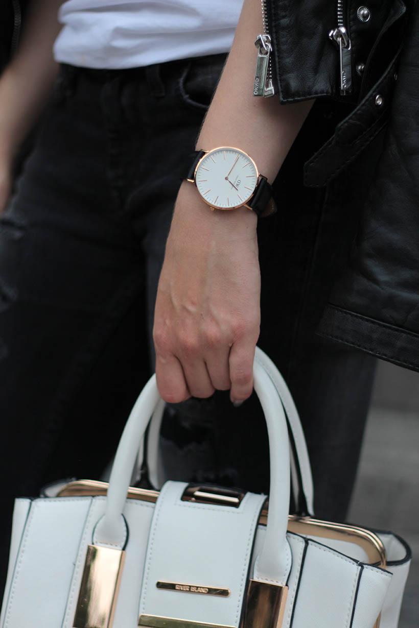on-the-road-ootd-outfit-dutch-fashion-blogger-sarandaadriana-daniel-wellington-sacha-shoes1