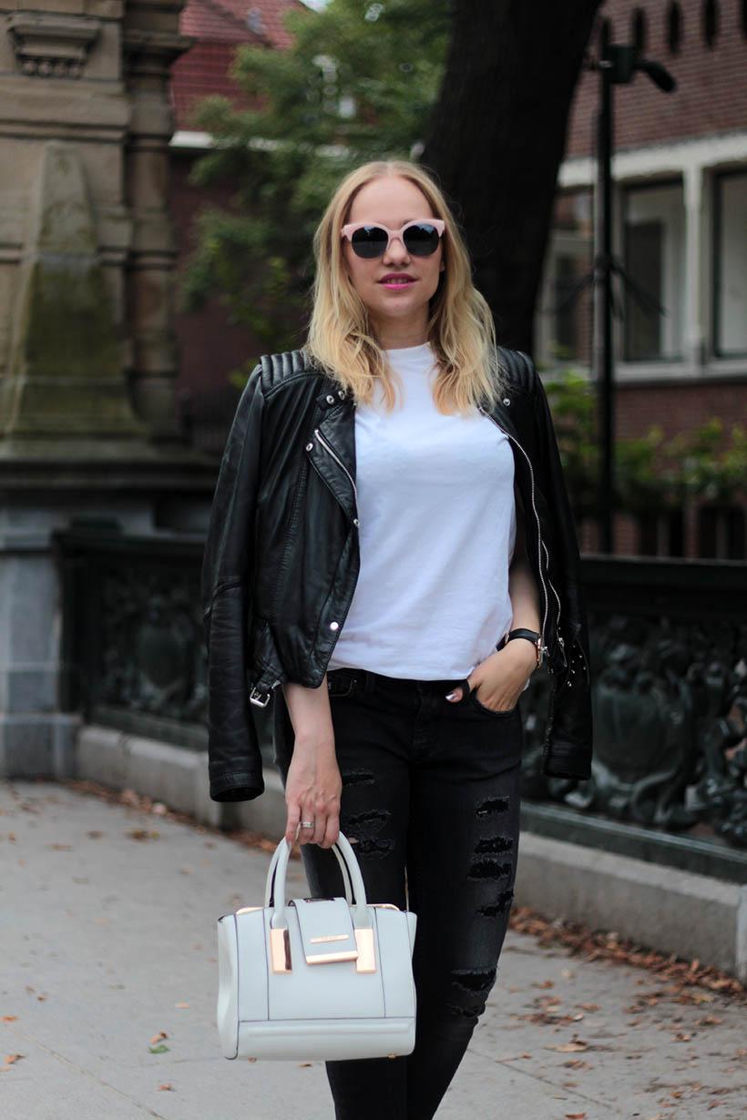 on-the-road-ootd-outfit-dutch-fashion-blogger-sarandaadriana-daniel-wellington-sacha-shoes9