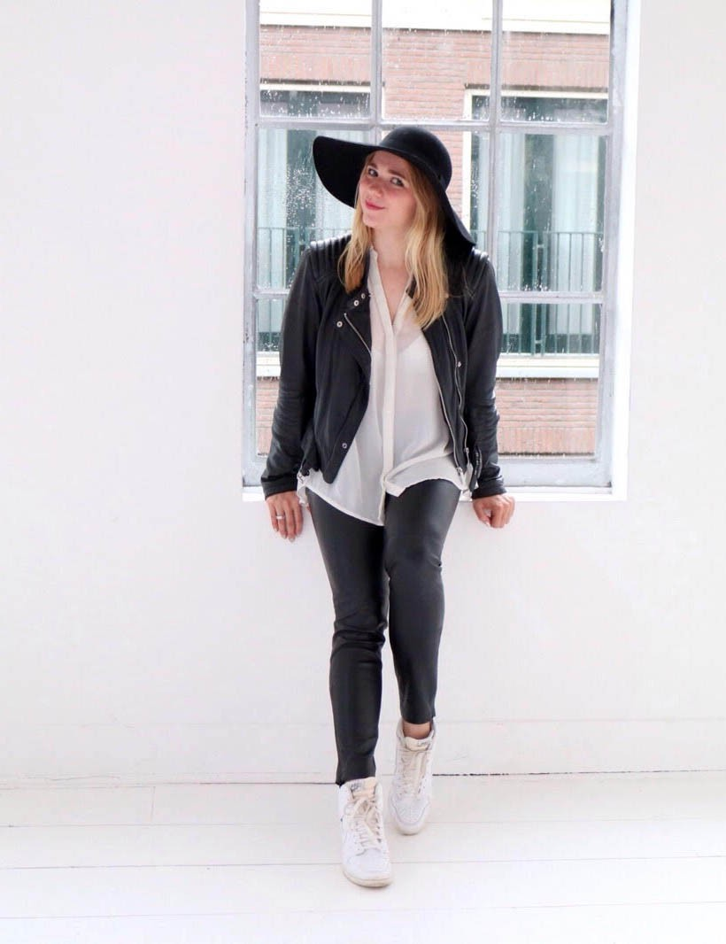 black-white-ecco-outfit-ootd-dutch-fashion-blogger-sarandaadriana2
