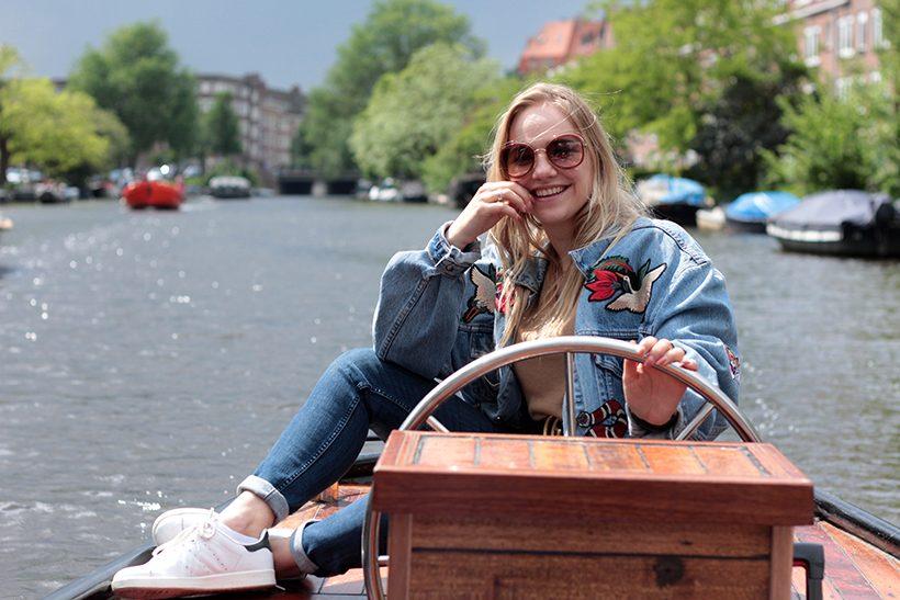 Bootuitje amsterdam boottochtje sloep amsterdamse grachten amstel varen