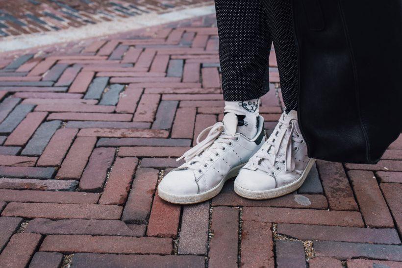 Stripes, dots and cats happy socks outfit SarandaAdriana by Alexandra Huijgens